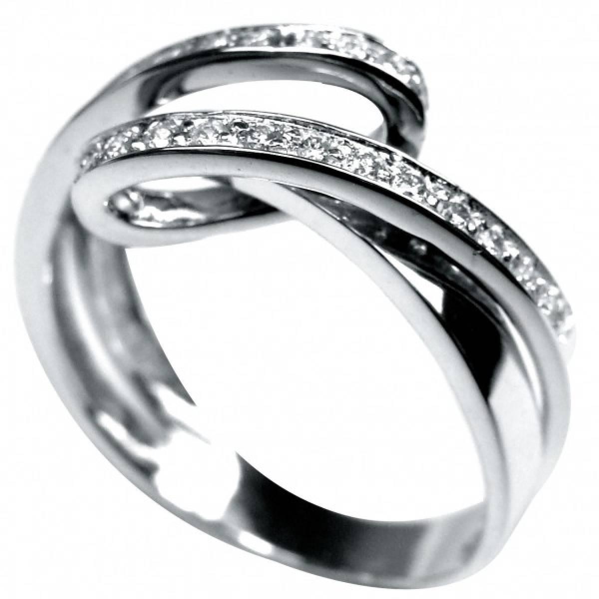 Anel de Noivado ouro branco de 19,2 kts, com 26 diamantes de 0,30 cts