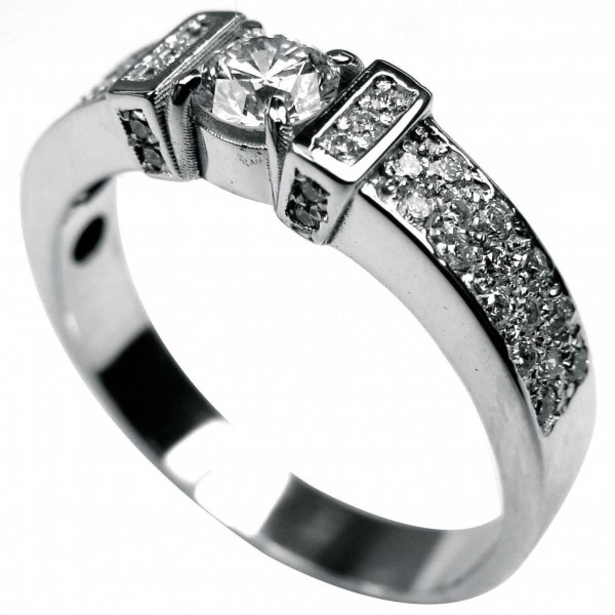 Anel de Noivado, ouro branco com 44 diamantes de 0,44 cts + 1 de 0,30 cts