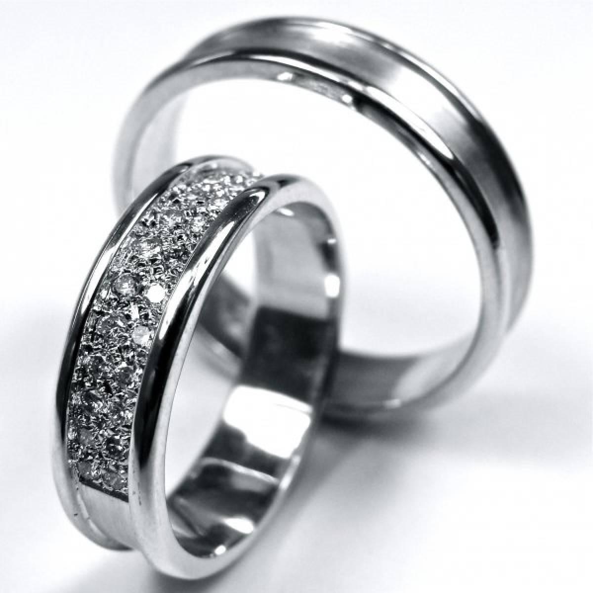 Alianças de Casamento em Ouro Branco de 9 ou 19 kts, com Diamantes