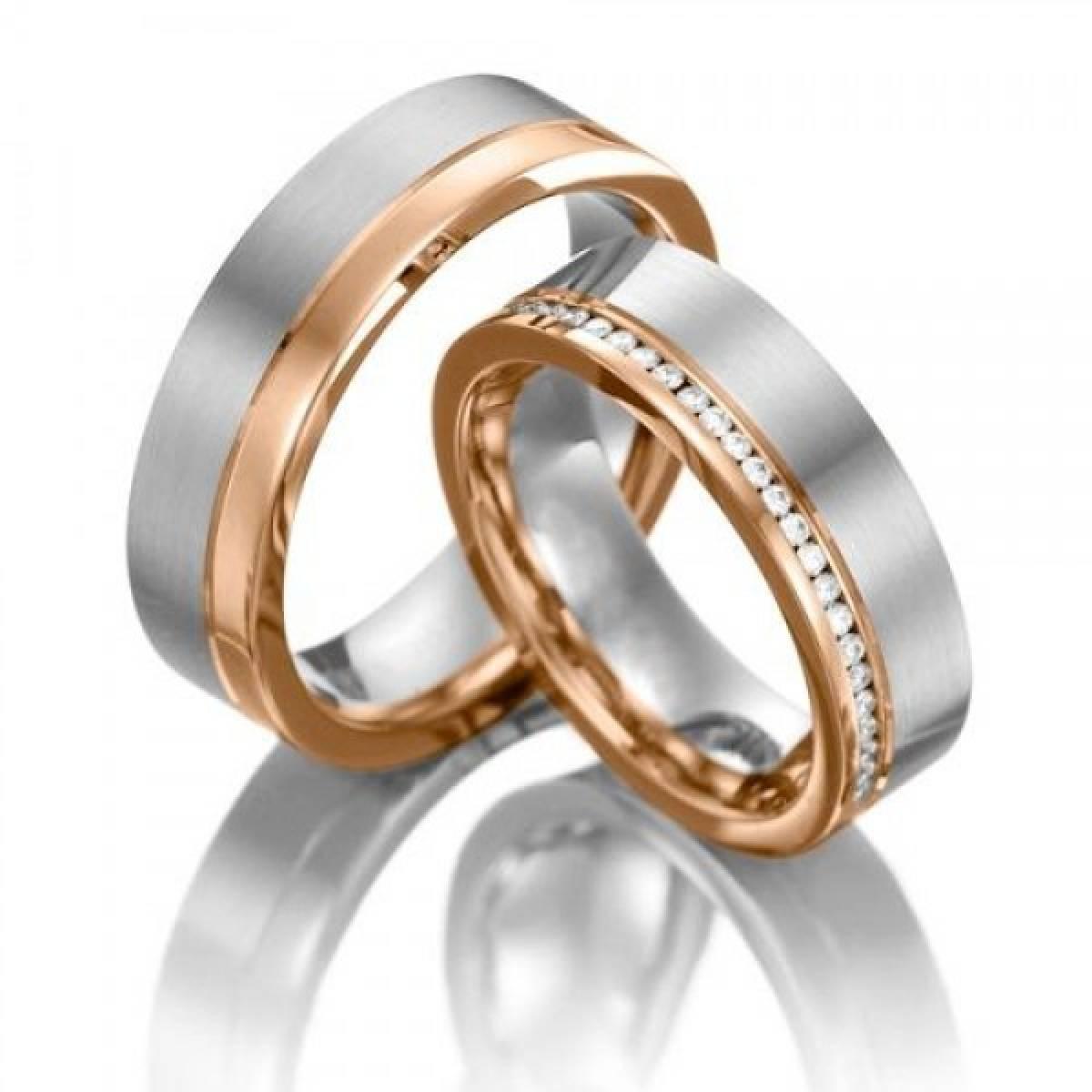Alianças de Casamento em Ouro Bicolor com 46 Diamantes de 0,052 CTS