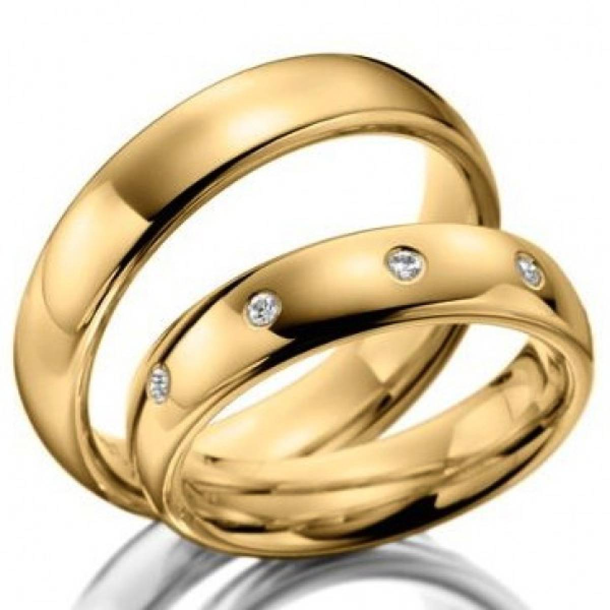 Alianças de Casamento em Ouro Amarelo, com 4 Diamantes de 0,08 CTS