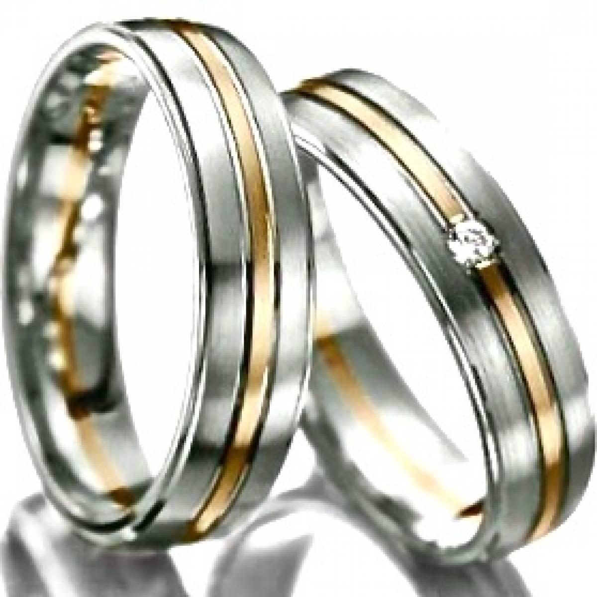 Alianças de Casamento em Ouro Bicolor com 1 Diamante de 0,03 CTS