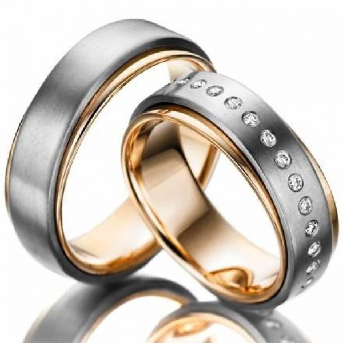 Alianças de Casamento em Ouro Bicolor com 34 Diamantes de 0,34 CTS