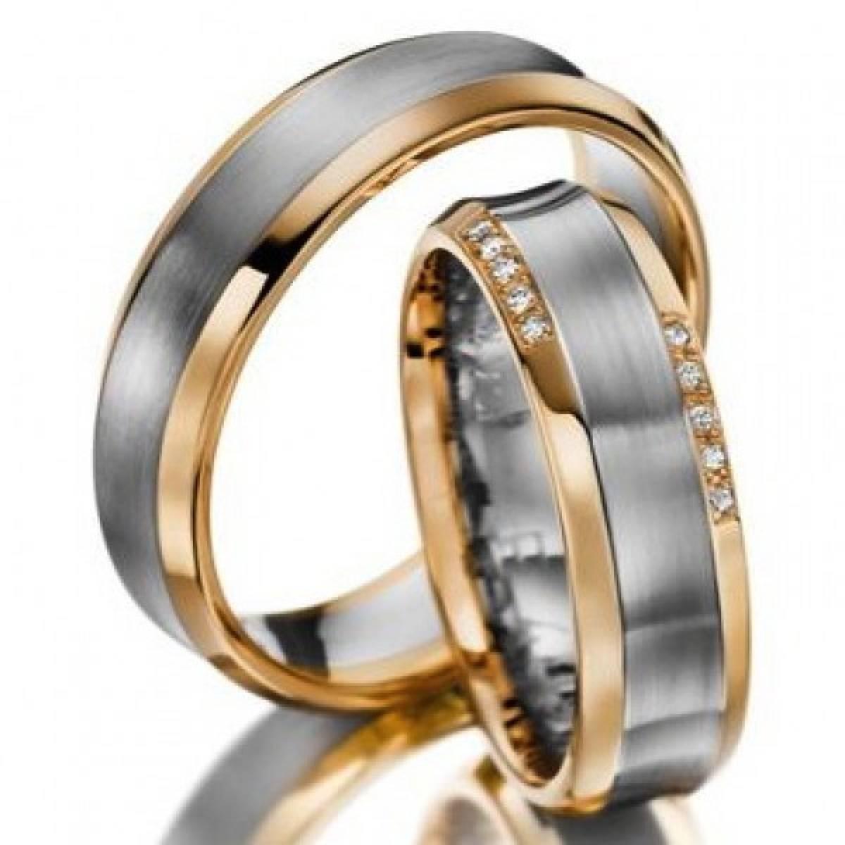 Alianças de Casamento em Ouro Bicolor com 10 Diamantes de 0,10 CTS