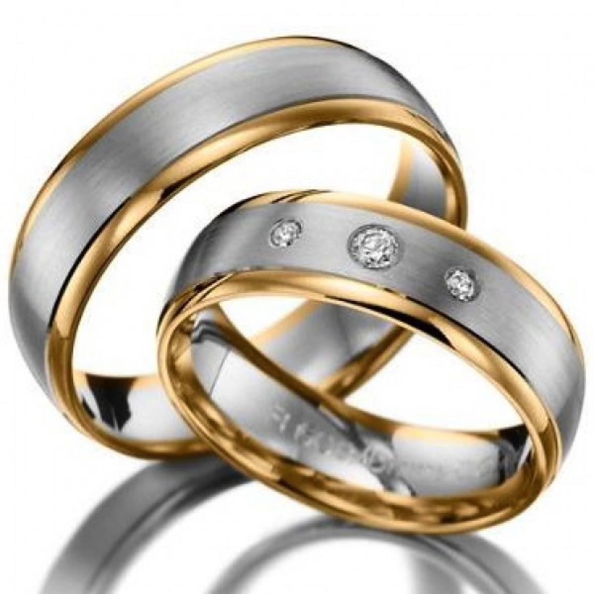 Alianças de Casamento em Ouro Bicolor com 3 Diamantes