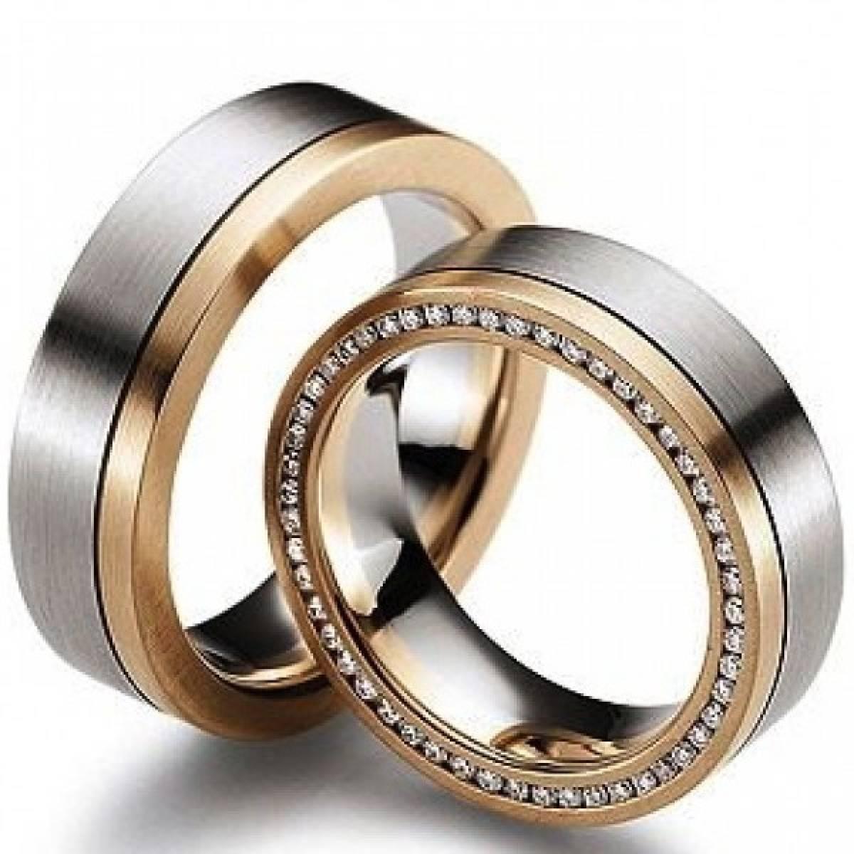 Alianças de Casamento em Ouro Bicolor com 51 Diamantes de 0,45 CTS