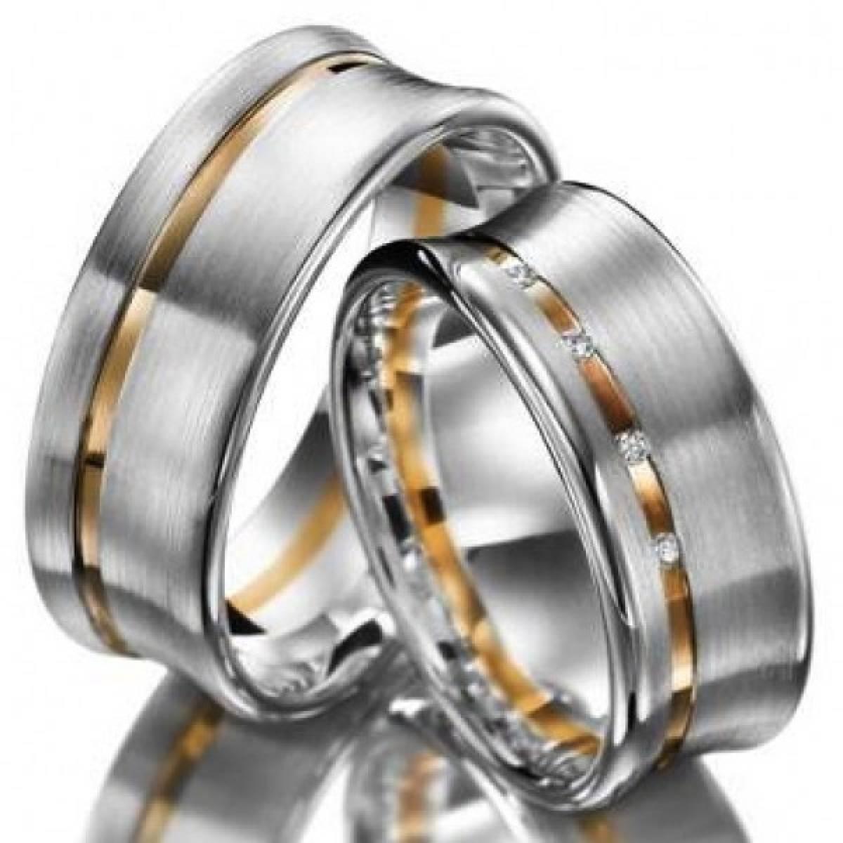 Alianças de Casamento em Ouro Bicolor com 8 Diamantes de 0,08 CTS