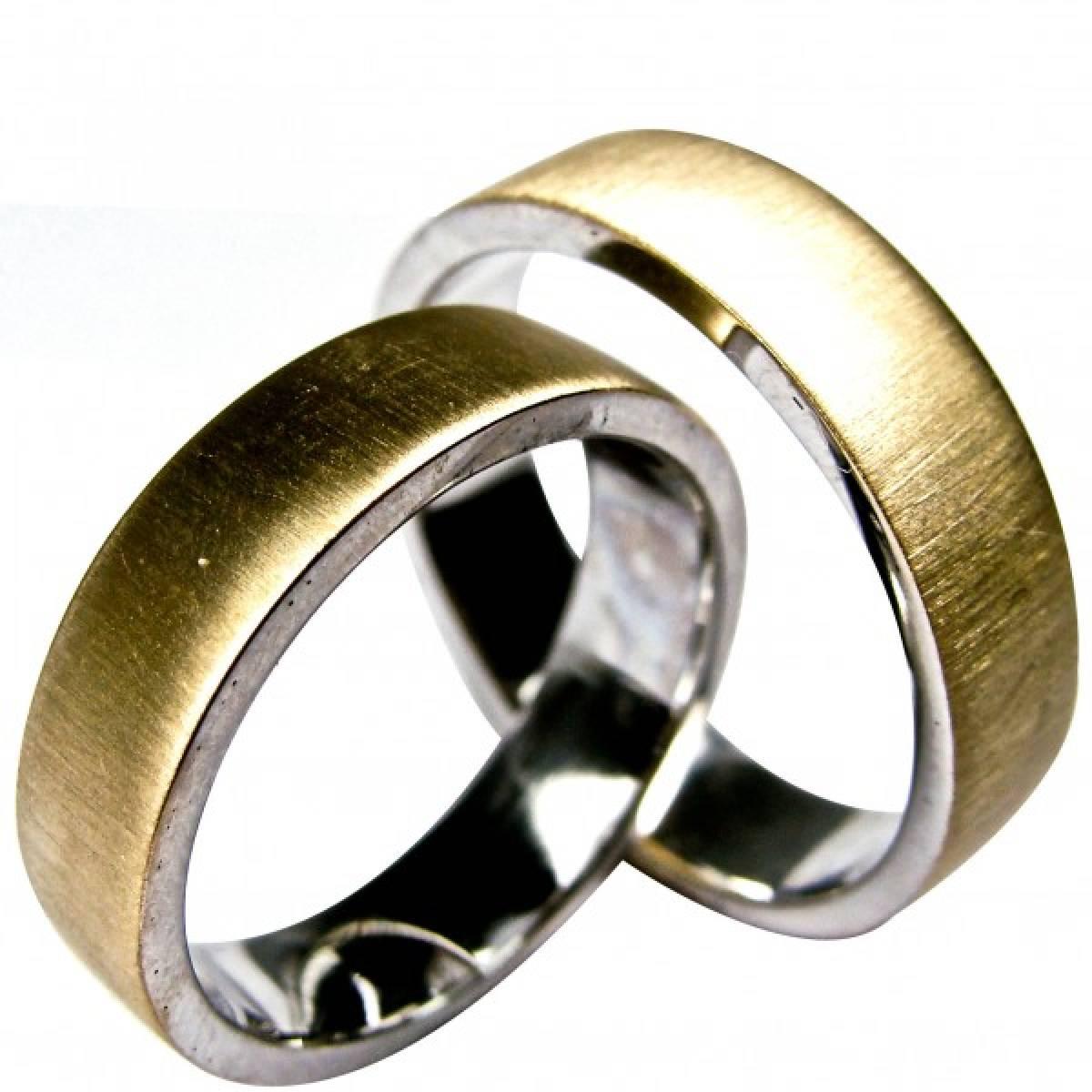 Alianças de casamento bicolores em ouro de 9 kts e 19,2 kts