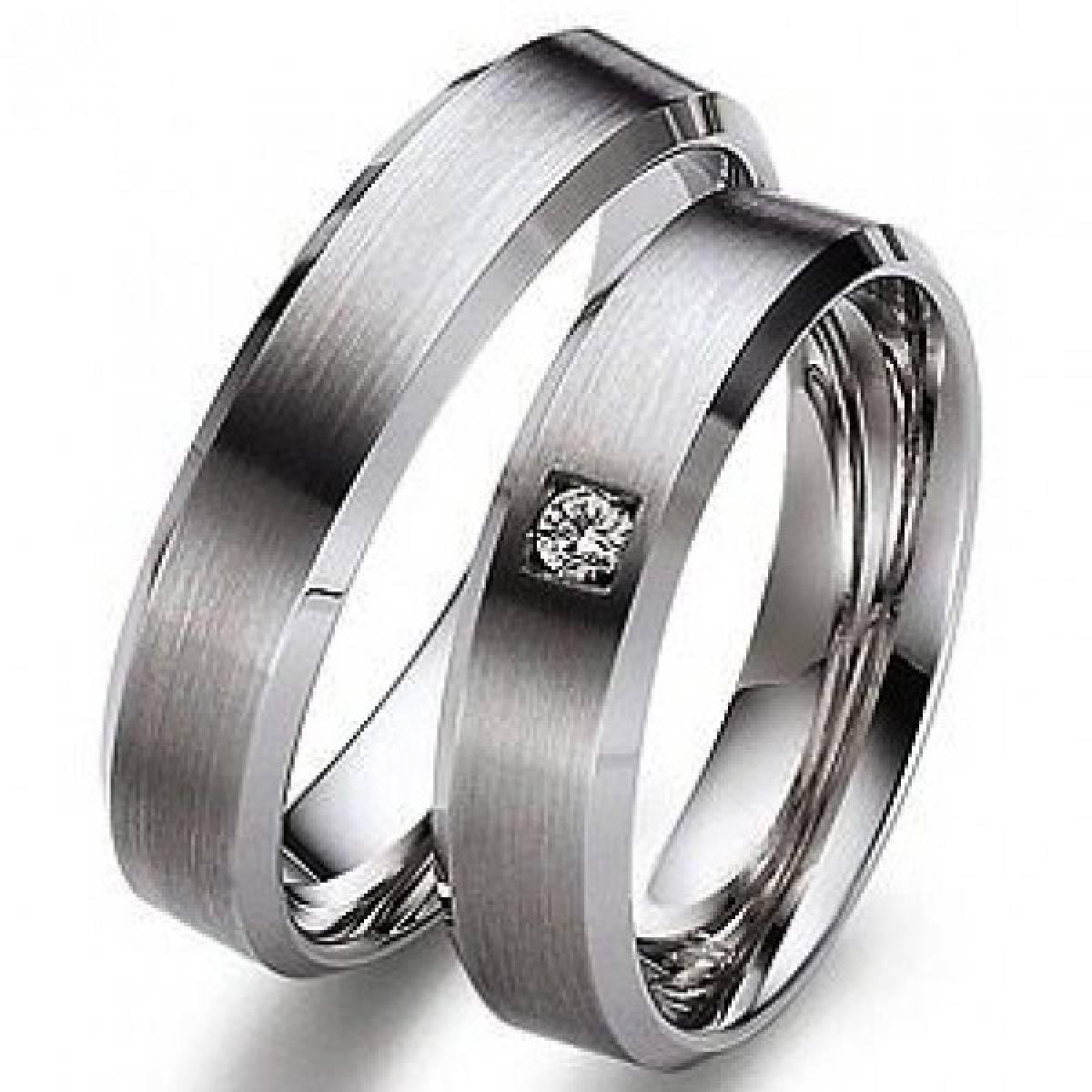 Aliança de Casamento em Ouro Branco com 1 Diamante de 0,03 CTS