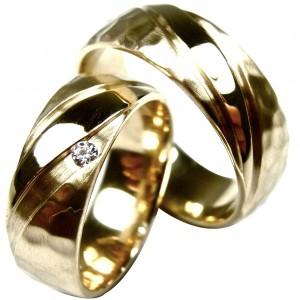Alianças de Casamento em ouro amarelo, com diamante ou zircónia